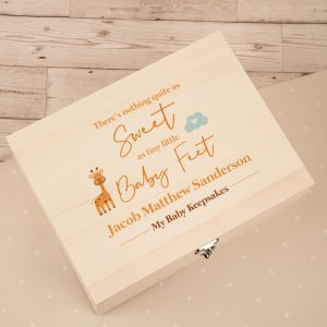 Boys Giraffe and Baby Feet Keepsake Box